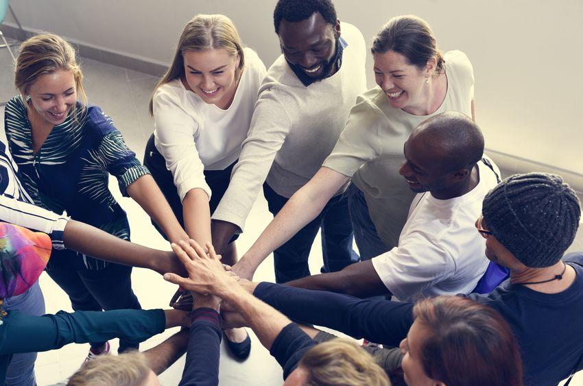 enfoque-psicologos-trabajos-grupales